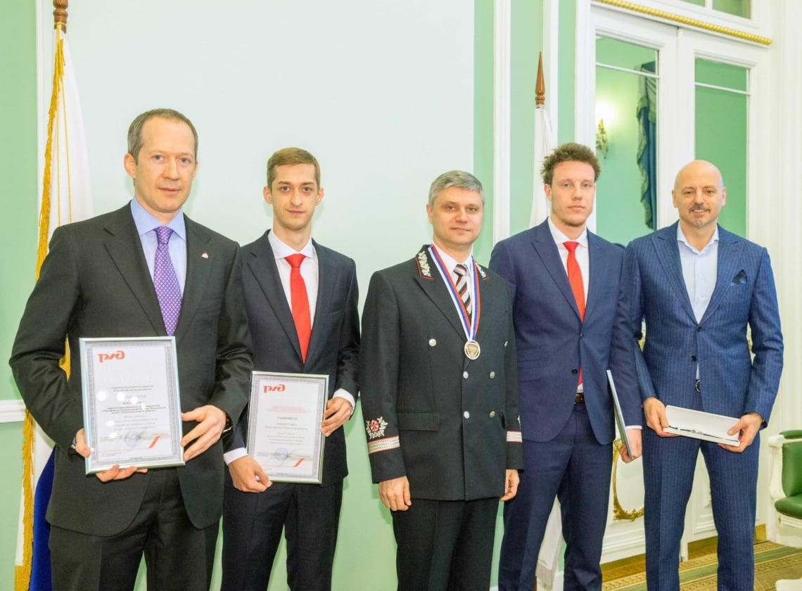 Олег Белозеров наградил «Локо» за победу в Кубке России