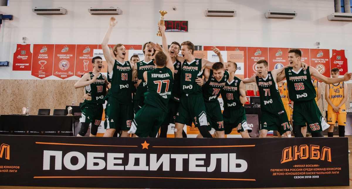 966618c7 В целом, как оцените результаты молодежных команд «Локомотива-Кубань»? –  Достойное выступление. Мы пробились в решающие стадии по всем возрастам.